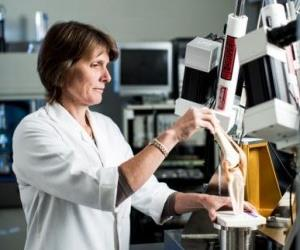 Professor Reynolds will test the stability and force of novel knee prostheses.